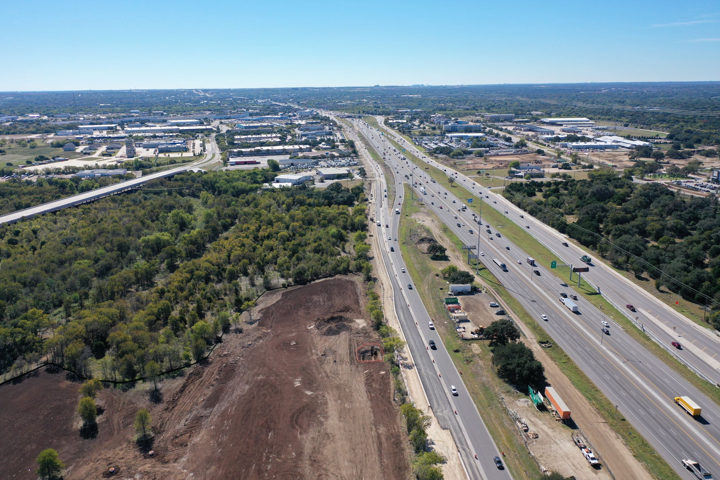 Northbound I-35 from RM 1431 to FM 3406 frontage road widening progress - October 2020