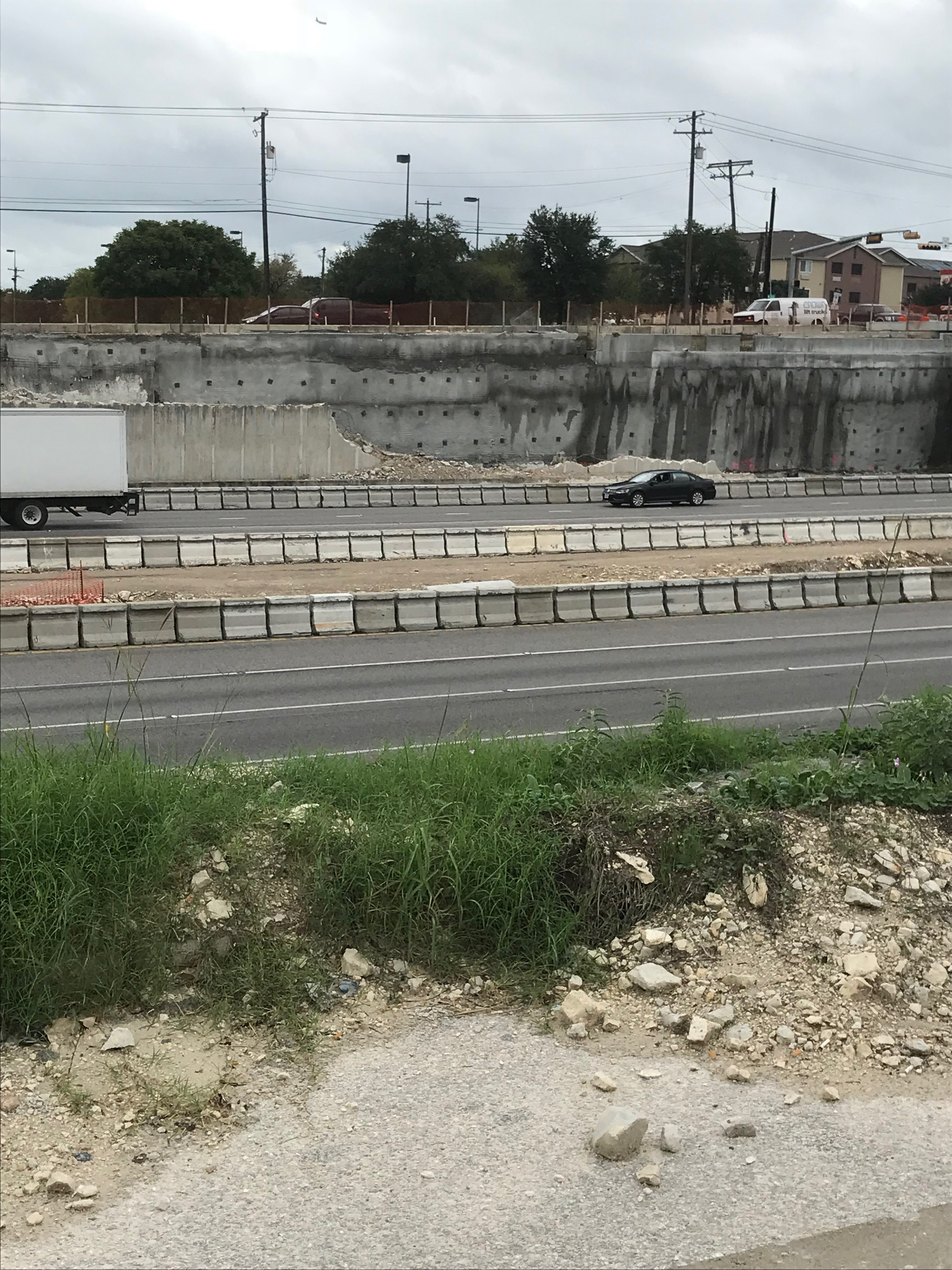 I-35 retaining wall work near St. Johns Avenue - October 2018
