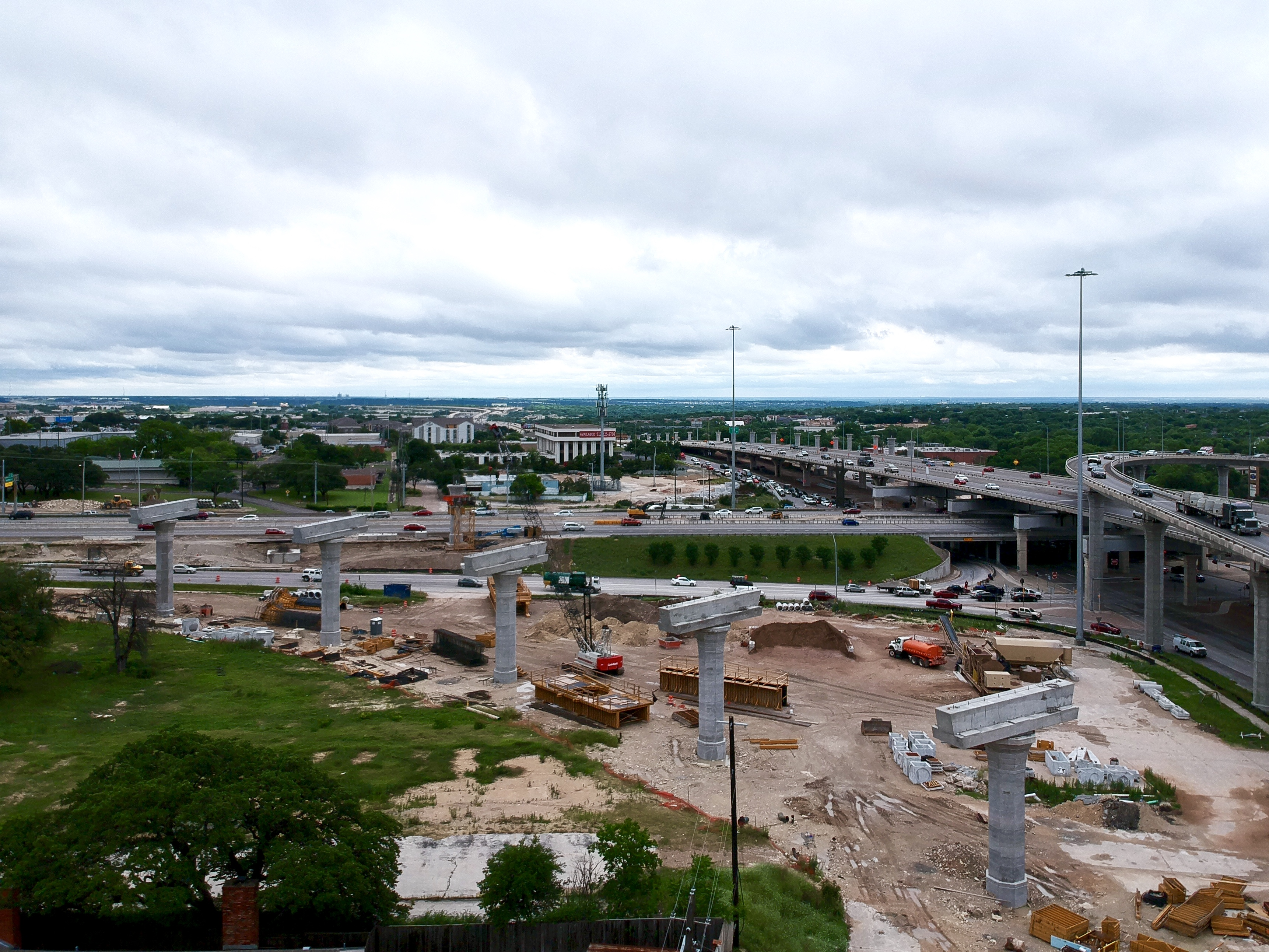Southbound I-35 to US 183 flyover progress - May 2019