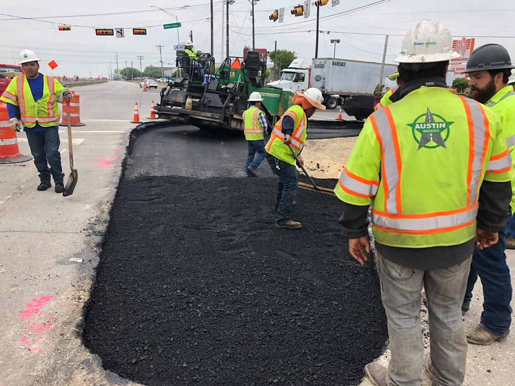Asphalt in old island at William Cannon - April 18, 2018