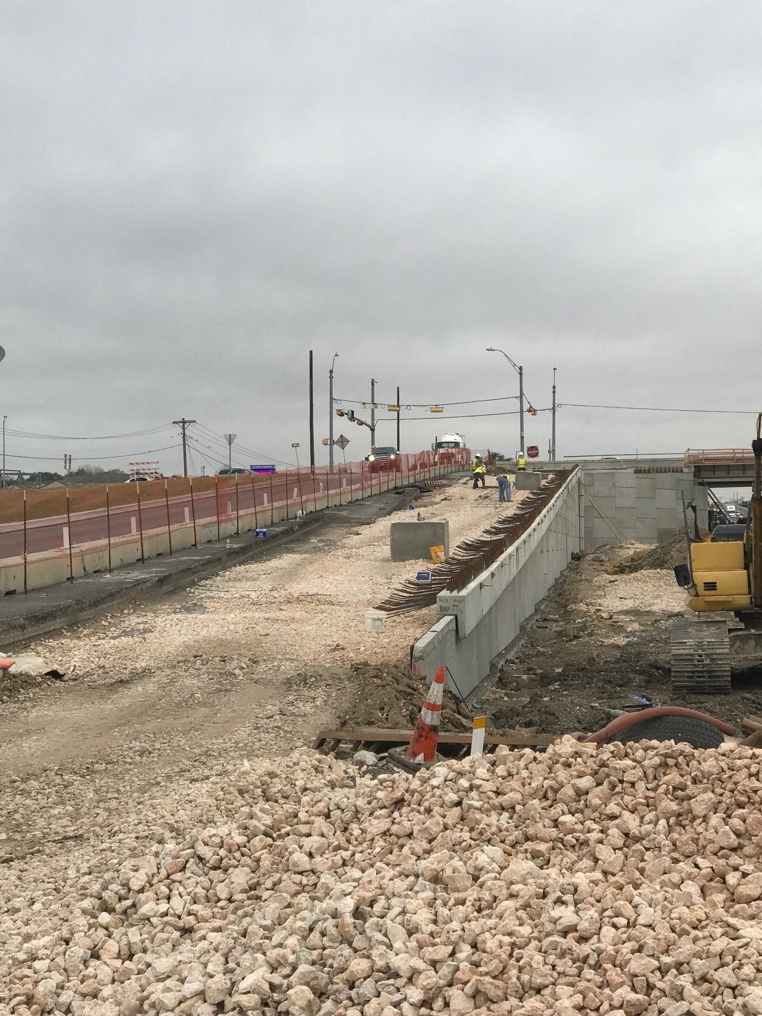Retaining wall for William Cannon southbound frontage road