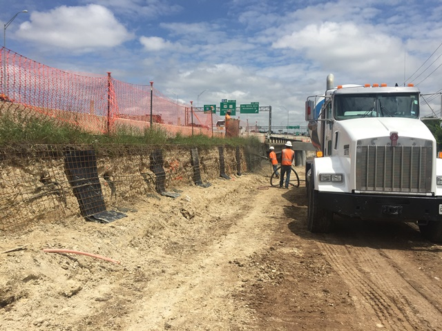 Soil nail wall on the northbound frontage road at Williamson Creek - April 24, 2017