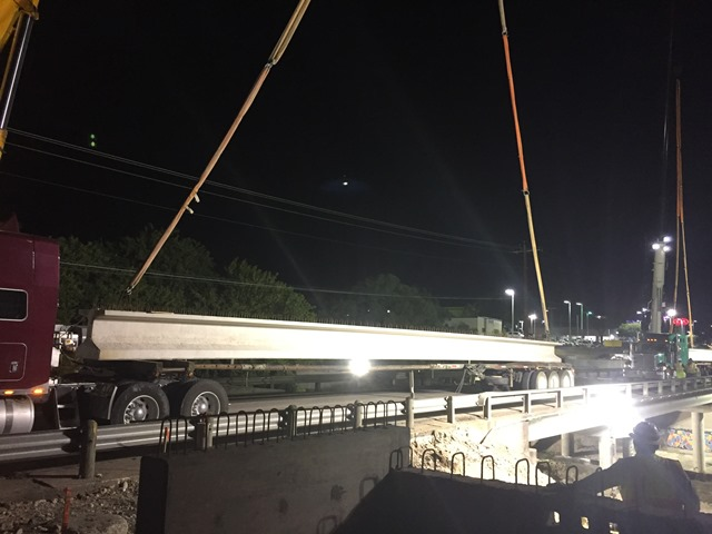 Third and fourth beams on the southbound mainlanes - April 27, 2017